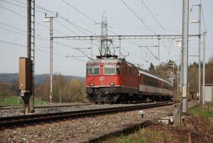 Re 4/4'' 11128 in Mägenwil