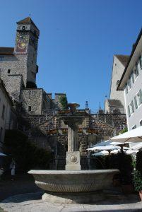 Aufgang zum Schloss und Kirche