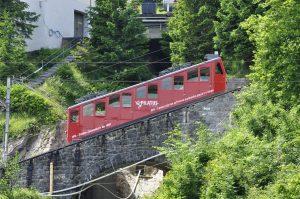 Triebwagen der Pilatusbahn