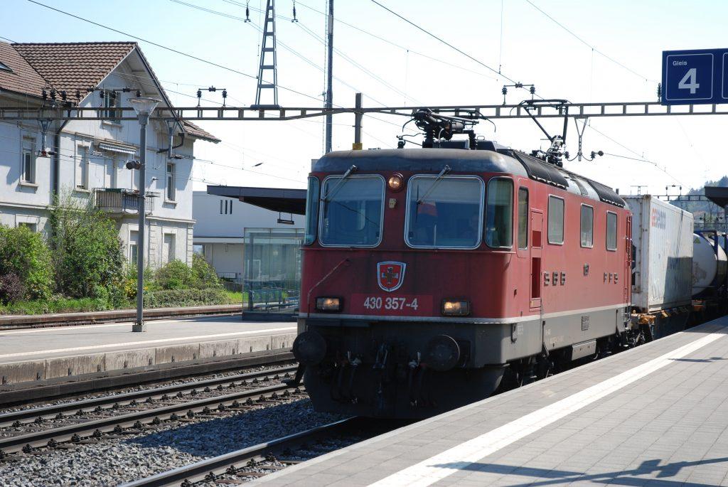Re 430 357