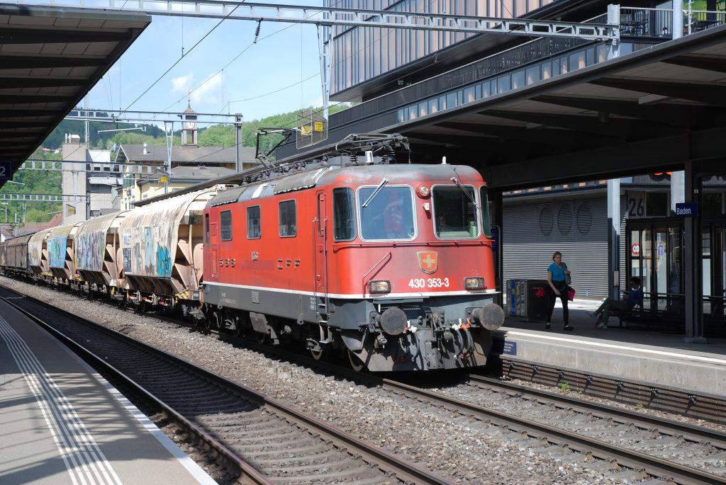 Re 430 353