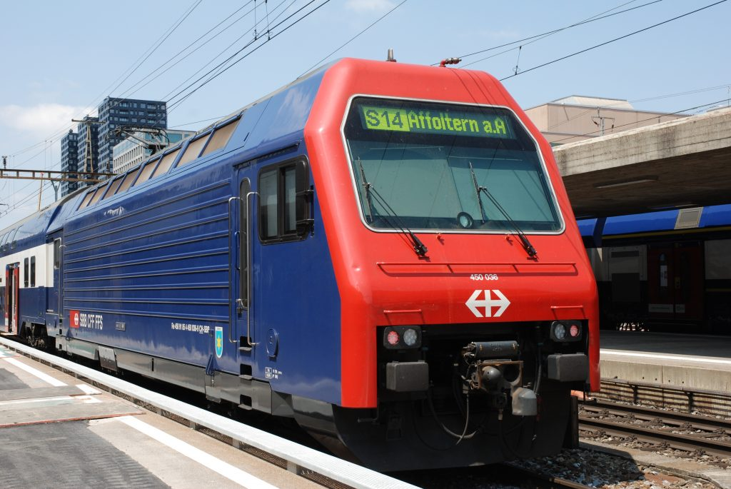 Re 450 036