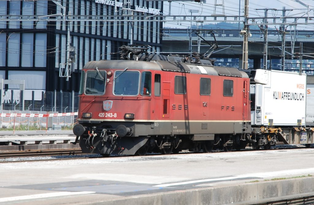 Re 420 243
