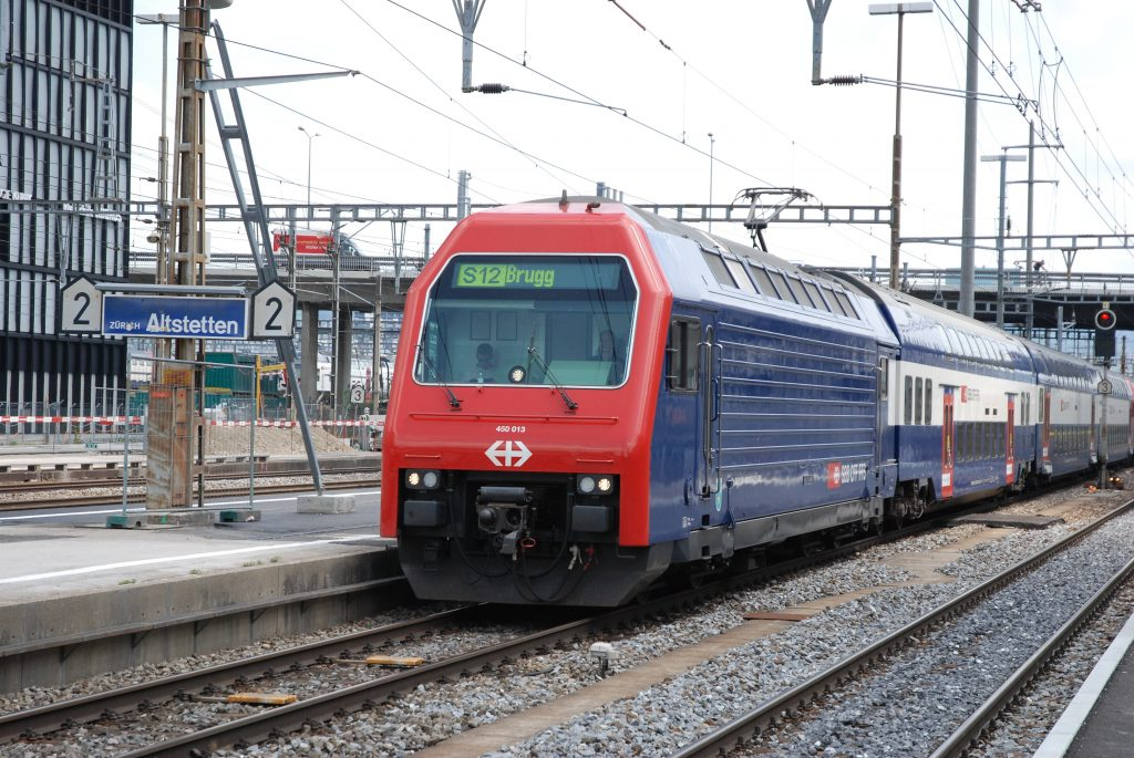 Re 450 013