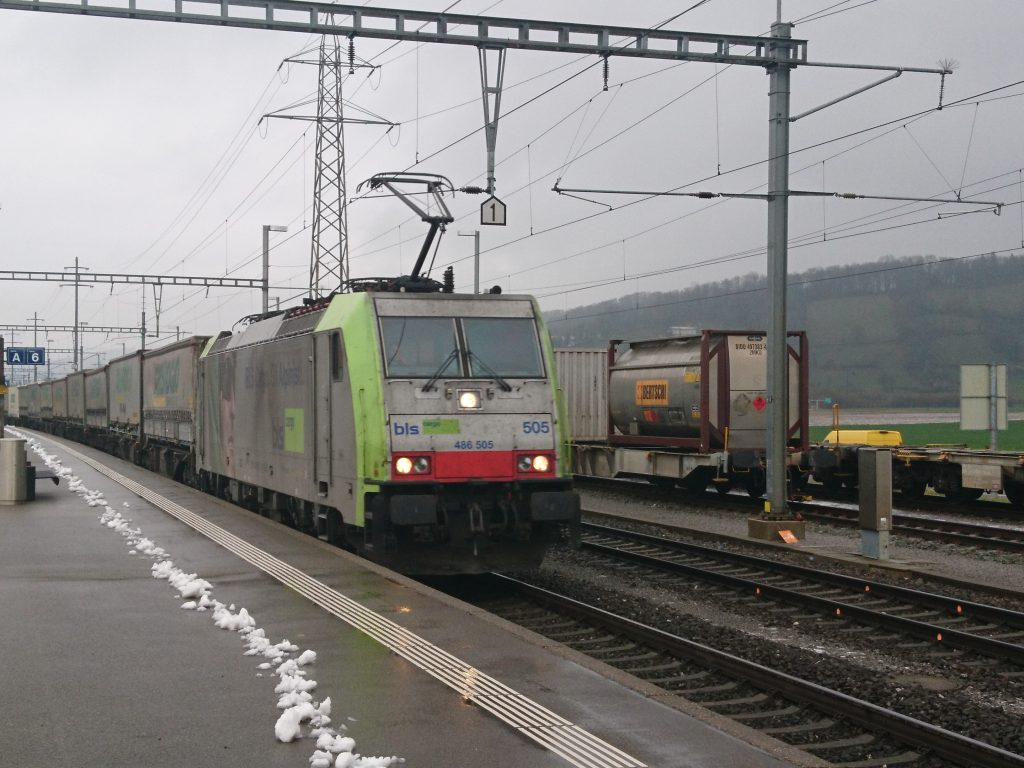 Re 486 505