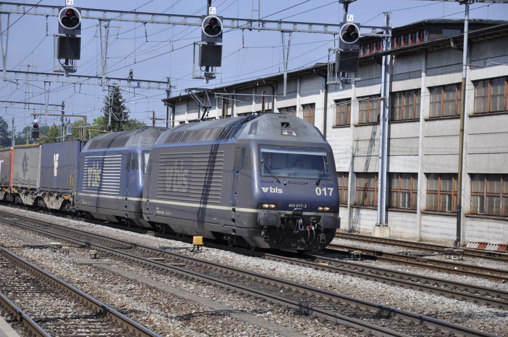 Re 465 017