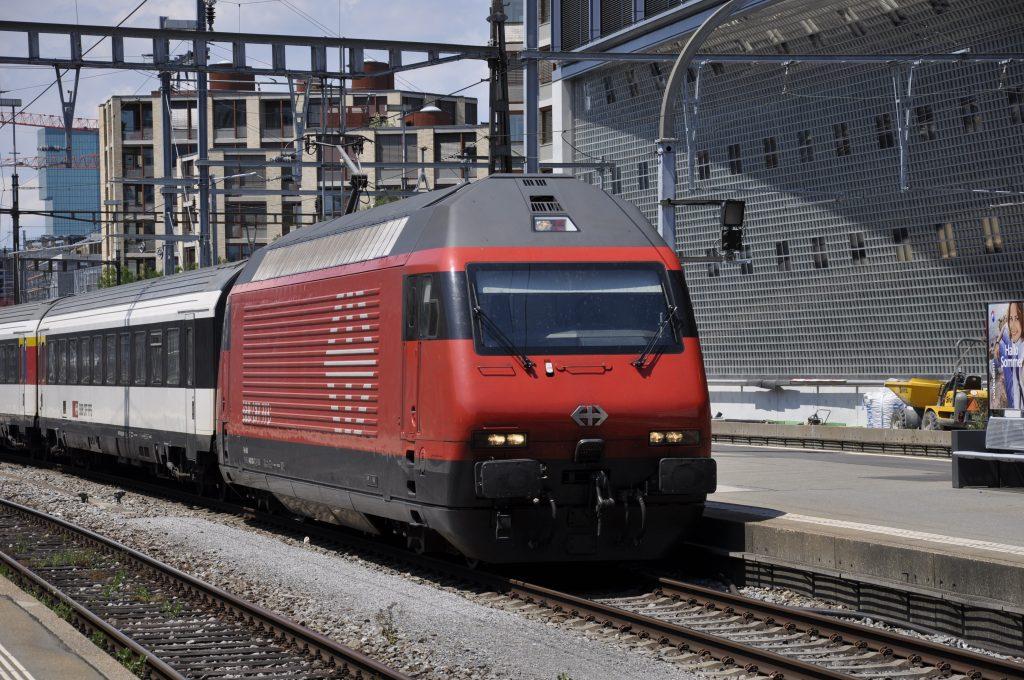 Re 460 003