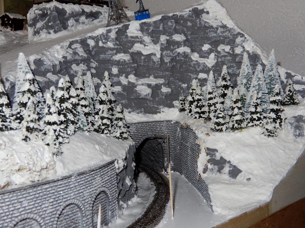 Details beim Tunnelportal