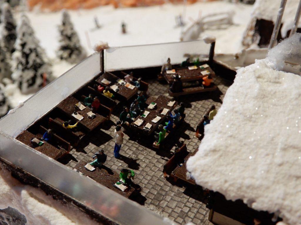 Details auf der Terrasse des Bergrestaurants