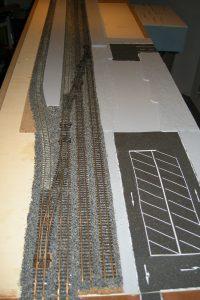 Die Gleise sind nun fertig geschottert
