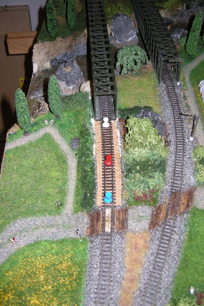 Kork und Gleis sind wieder eingebaut
