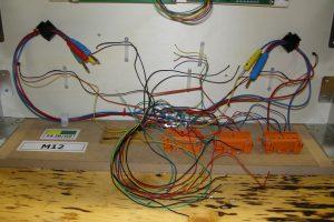 Kabelverhau - vorbereitete Anschlusskabel zum Block