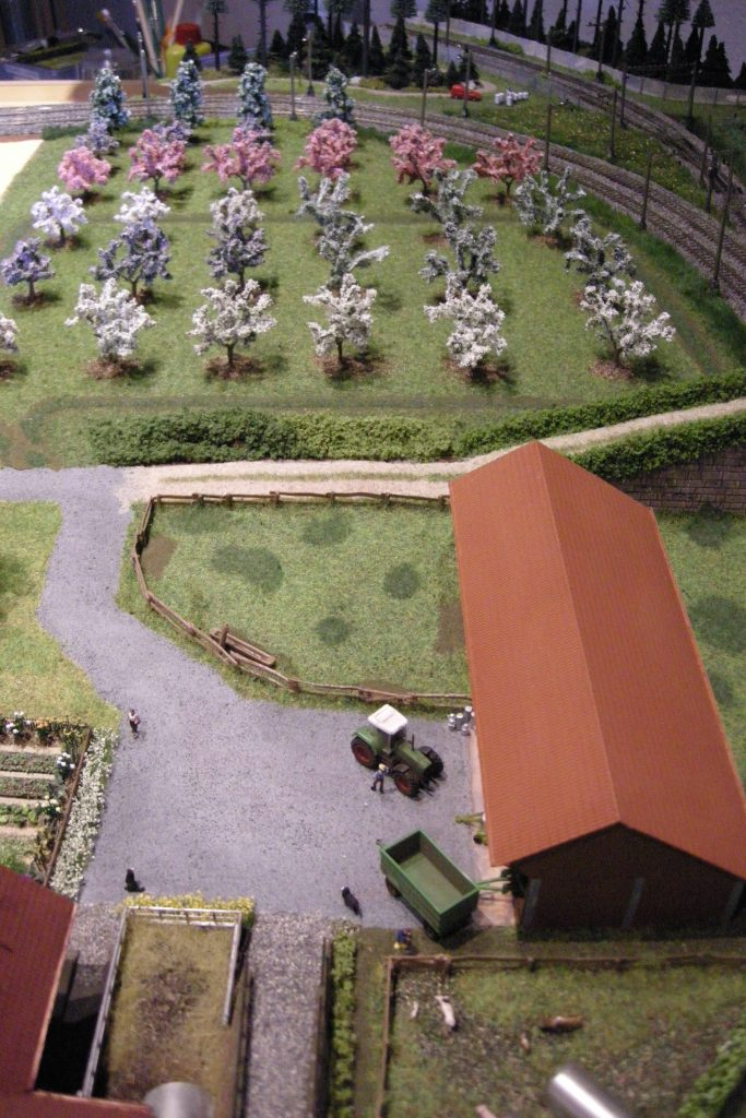 Blick vom Heiterenhof zur Baumplantage