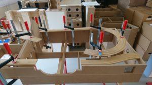 Die Teile für die Brücken sind ausgeschnitten und der Rest verleimt