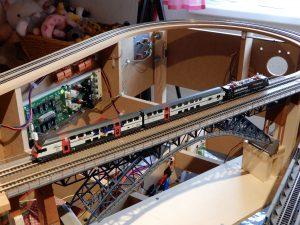 Erste Testfahrten zur Überprüfung der Gleislage...