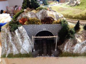 ... so auch am unteren Tunnelportal