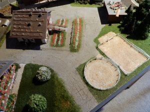 Die Umgebung beim Bauernhof entsteht neu